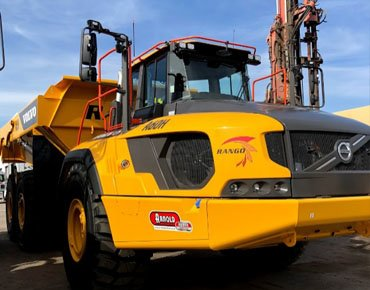 Heavy Equipment Excavator Windshield Replacement