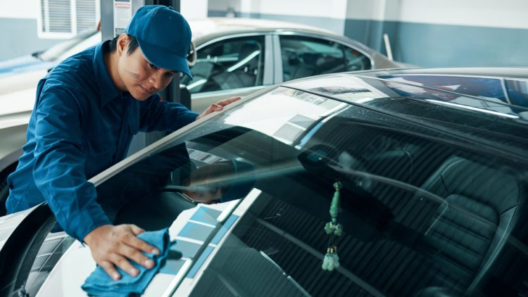 Windshield Replacement Archives - Dave's Metro Auto Glass
